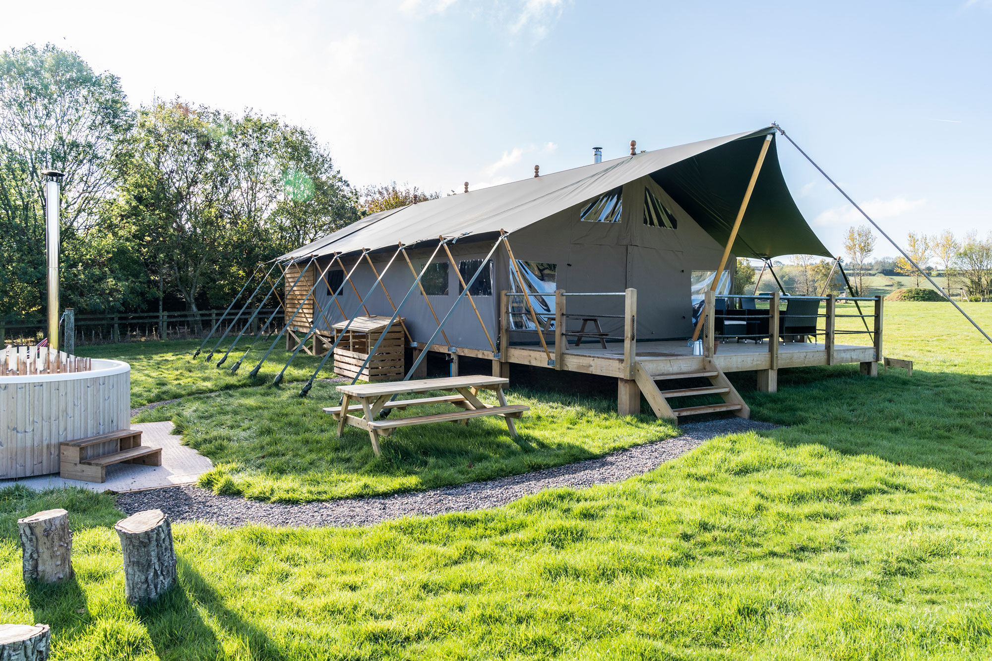 English Countryside Glamping: Middlestone Farm